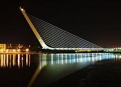 andanzas de una  exfumadora -800px-calatrava_puente_del_alamillo_seville.jpg