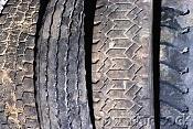 Fotos de ruedas sucias de camion-cb020365.jpg