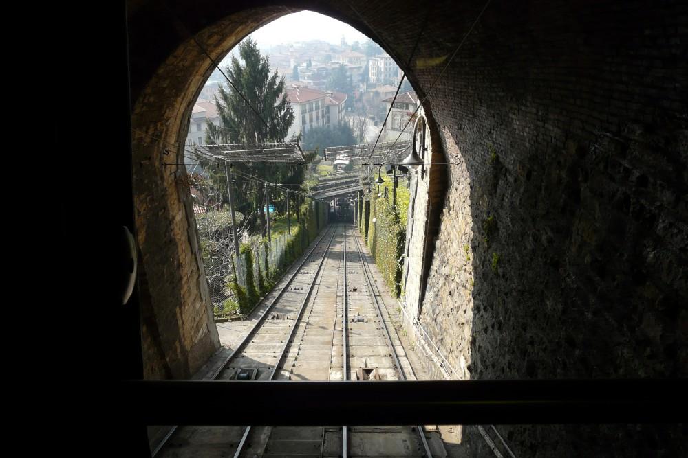 Il Giro 2010-02-bergamo-funicular.jpg
