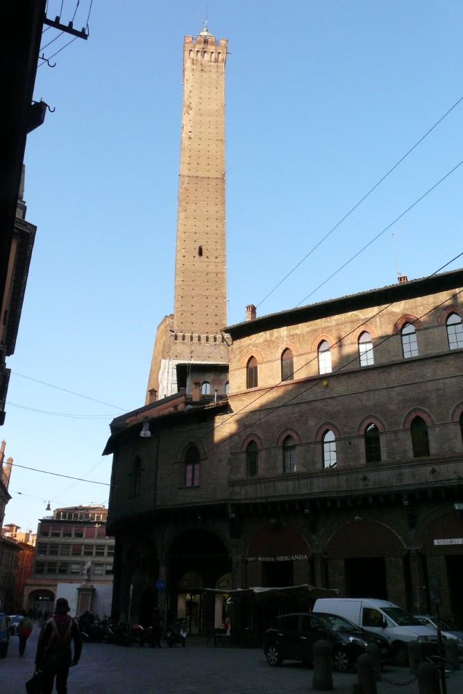 Il Giro 2010-20-bolonia-torre.jpg