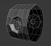 pequeño problema de modelado hard surface deformacion en cilindro-malla1.jpg