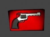 Un revolver-pistolita.jpg