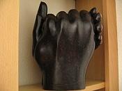 a mano  artesania del siglo pasado -manos_negras.jpg