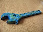 a mano  artesania del siglo pasado -llave-inglesa-plasti.jpg