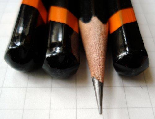 La libreta de Hulkong -penciltalk.org.derwent.graphic.1.jpg