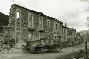 Adelante-cci-de-1937-en-ruinas-aged.jpg