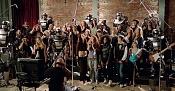 Coro formado por robots de Citroen-el-robot-de-citroen-haciendo-el-coro.jpg