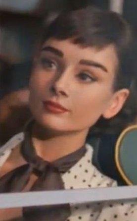audrey Hepburn anunciando chocolate Galaxy-audrey_hepbrun.jpg