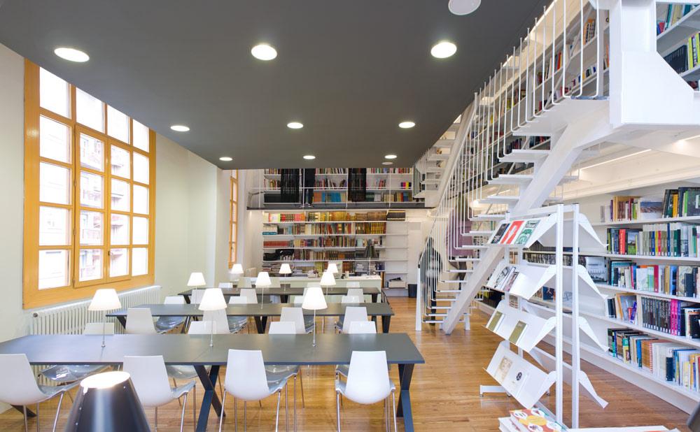 General biblioteca de la esdir en la rioja for Arquitectura de interiores universidades