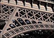 Torre Eiffel-closeup.jpg