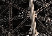 Torre Eiffel-closeuptwo.jpg