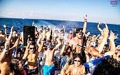 La diversion y el entretenimiento solo tienen una frase Ibiza Boat Party-beautiful-people-ibiza-party.jpg