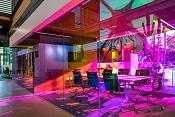 Vidrio dicroico sombras de un color y reflejos de otro color-ai-architects-dichroic-glass-workspace-5-1.jpg