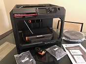 VENDO MakerBot Replicator Impresora 3D NUEVA-img_1195.jpg