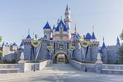 Los parques de Disney despiden a 28.000 trabajadores estadounidenses-castillo-de-la-bella-durmiente-en-disneyland-park.jpg