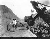 Corte Culebra-steam_shovel_at_work_in_culebra_1911.jpg