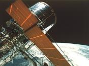 Maqueta de satélite-hubble4.jpg