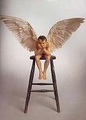 Conoceis a Ron Mueck -angel.jpg
