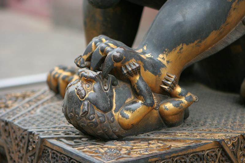 Dentro de una estatua hay una historia-62199736.fdph2ej3.photo7133xs.jpg