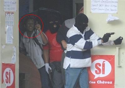 -venezuelaprotestcar116hs1.jpg