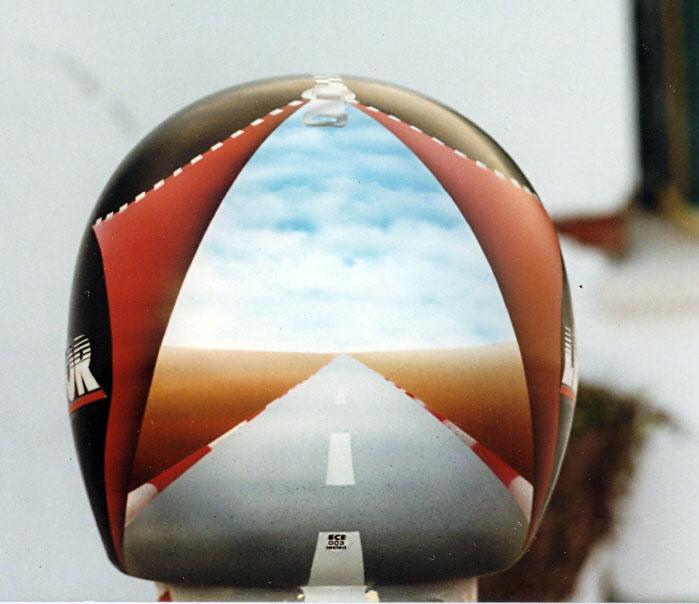 aerografia en cascos... una verdadera obra de arte