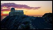 Iglesia Griega Bajo el Volcan-santorini02.jpg