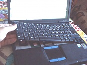 El teclado de portatil no funciona-levantandoteclado.jpg