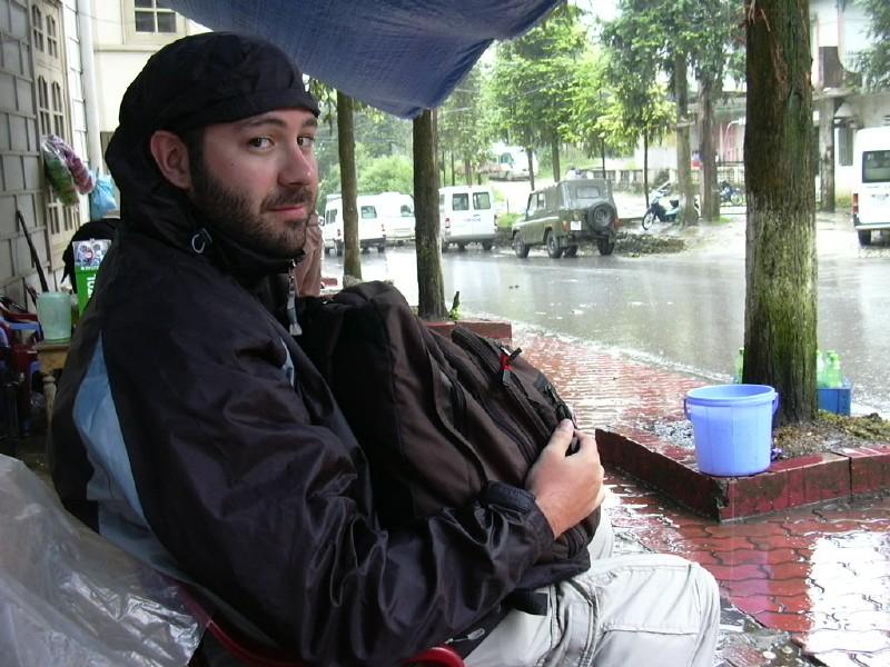 Nuestras jetas o el post de la belleza camuflada-fiti-in-the-rain.jpg